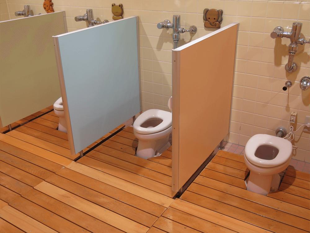 1,2歳児の体に合わせたリリーのトイレ