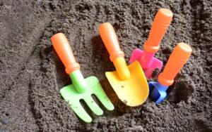 砂場のおもちゃ